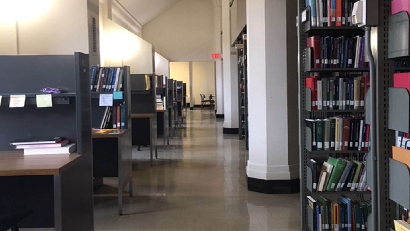 Seniors Who Are Assigned A Carrel Are Allowed To Leave Study Items At The  Desk. While This Makes Carrels Especially Popular With Students Who Plan To  Work ...