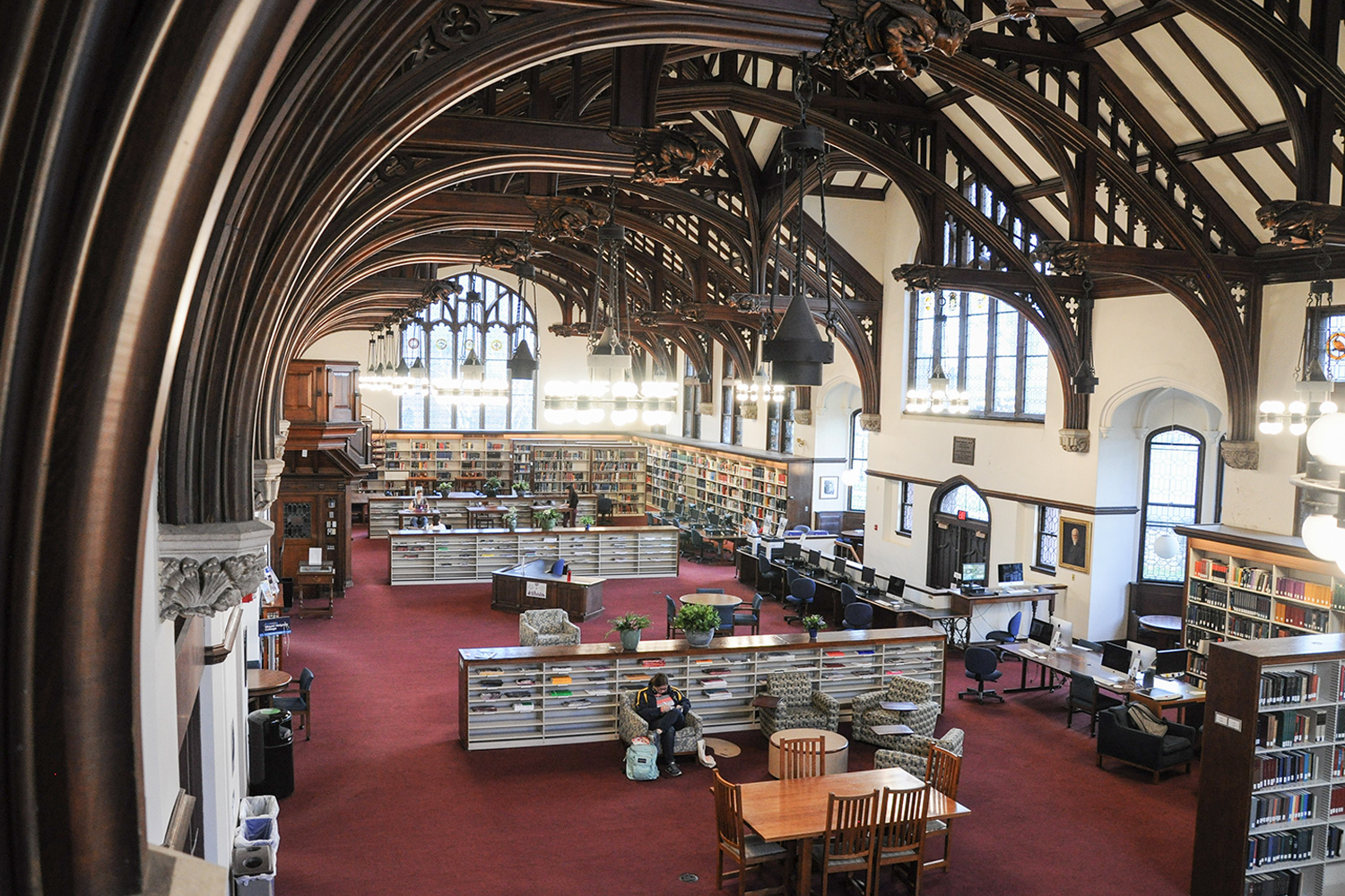 """Mount holyoke College Library"